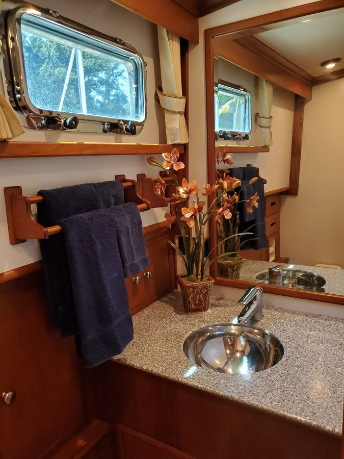 Aft head with stainless steel sink, marble countertop 2003 GRAND BANKS 42 Classic Trawler 2615672