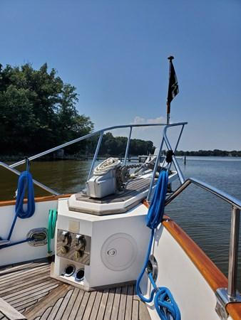 20190729_145644 lena 2003 GRAND BANKS 42 Classic Motor Yacht 2615637