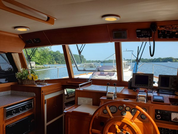 20190725_095146 lena 2003 GRAND BANKS 42 Classic Motor Yacht 2615700