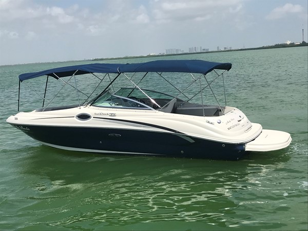 2008 SEA RAY 240 Sundeck Runabout 2613752