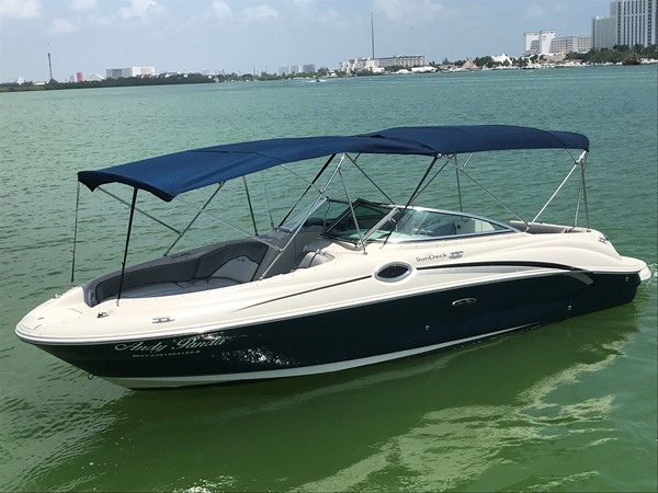 2008 SEA RAY 240 Sundeck Runabout 2613753