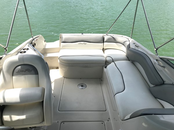 2008 SEA RAY 240 Sundeck Runabout 2613756