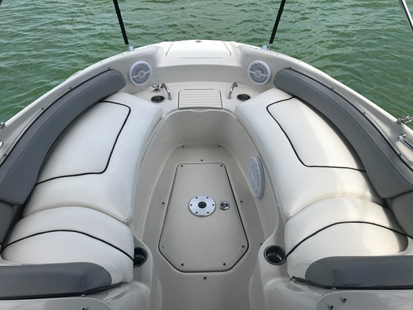 2008 SEA RAY 240 Sundeck Runabout 2613761
