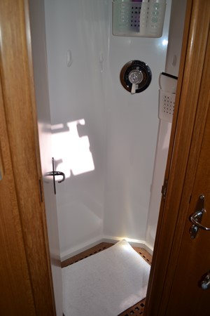 GUEST STATEROOM PORT HEAD 1999 ADMIRAL MARINE Custom Performance Sailing Yacht Cutter 2614157
