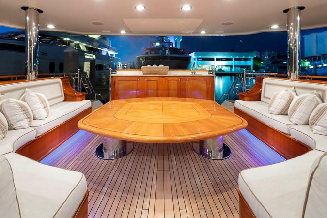 MAIN DECK SEATING  2008 RICHMOND YACHTS  Motor Yacht 2622418