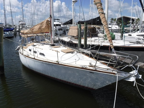 1980 C & C Yachts Landfall Cruising/Racing Sailboat 2614759