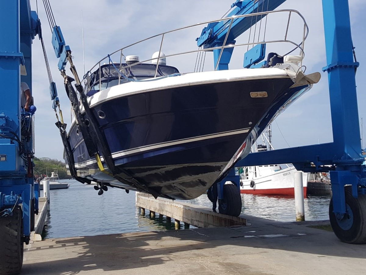 Beautiful in or out of the water - and always well maintained - haul out for new bottom pain 2003 SEA RAY Sundancer Sport Yacht Cruiser 2621277
