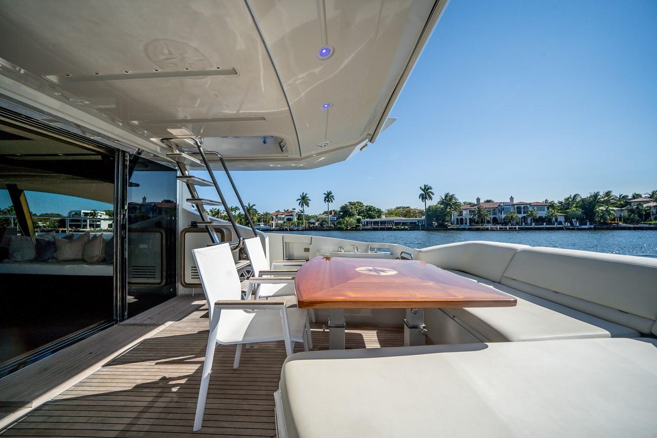 2013 AZIMUT  Motor Yacht 2617612