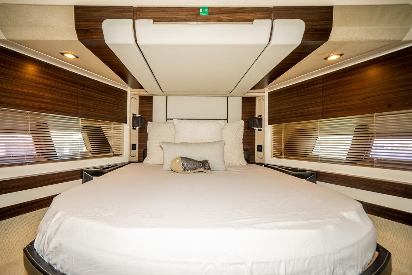 2013 AZIMUT  Motor Yacht 2617628