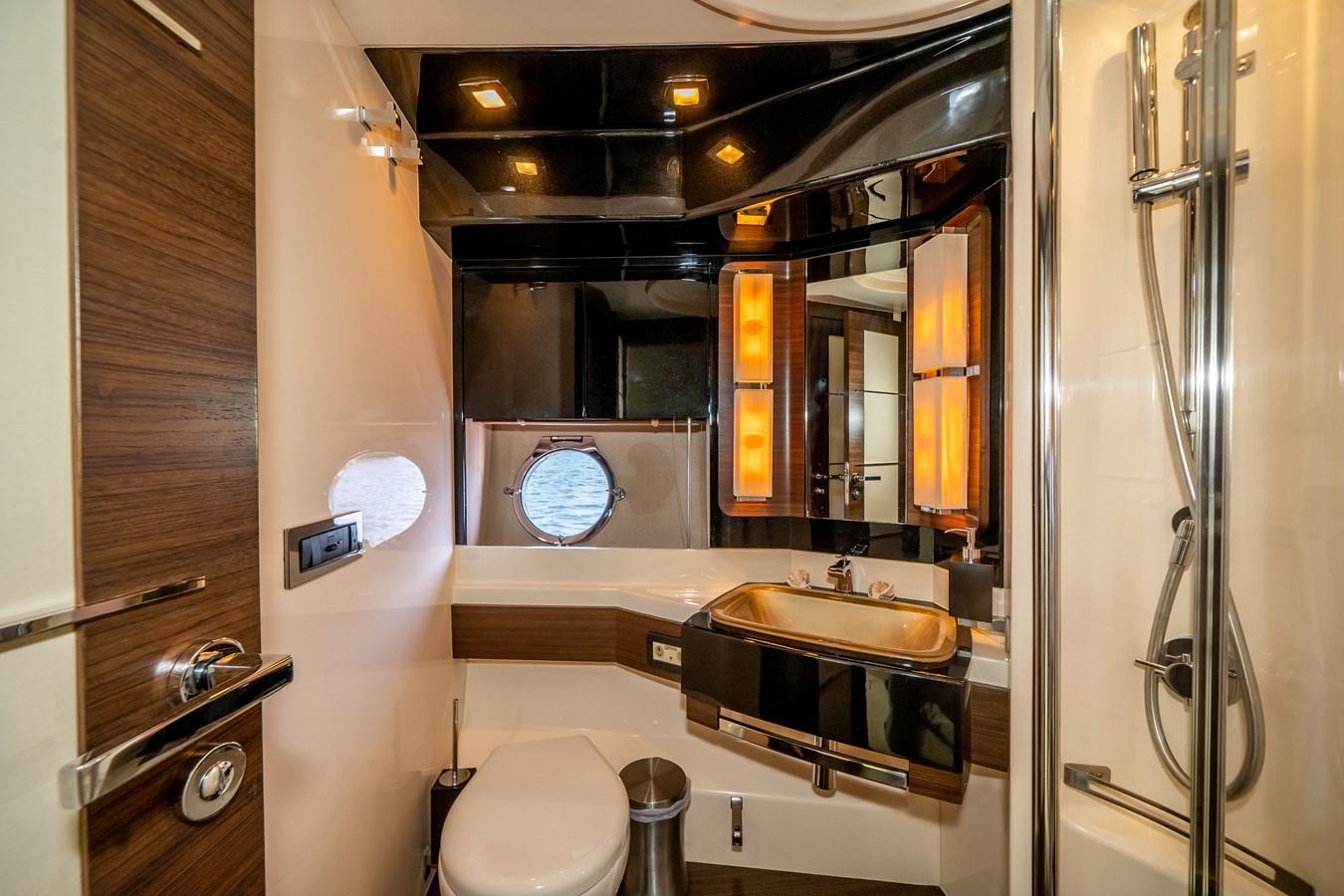 2013 AZIMUT  Motor Yacht 2617632