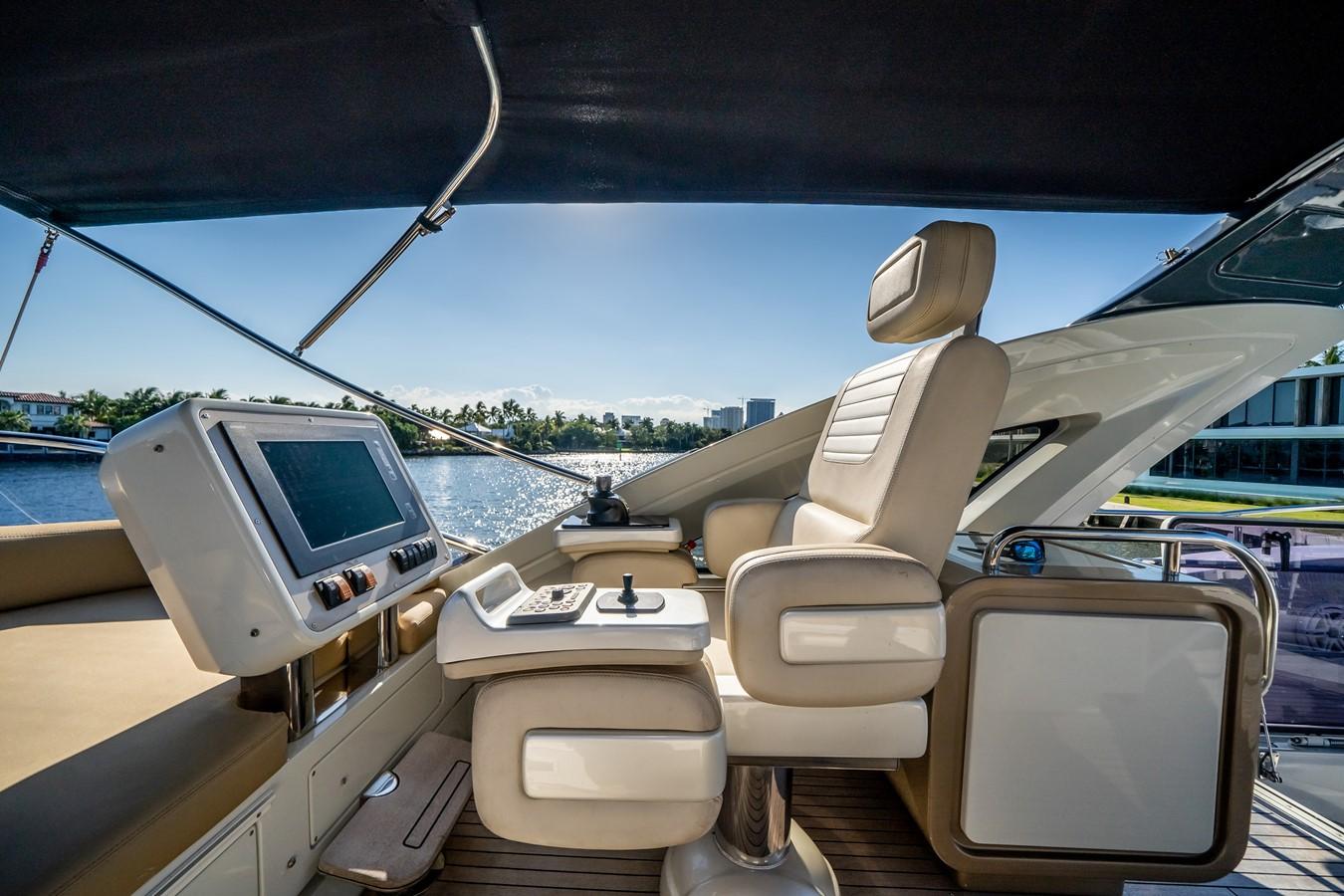 2013 AZIMUT  Motor Yacht 2617635