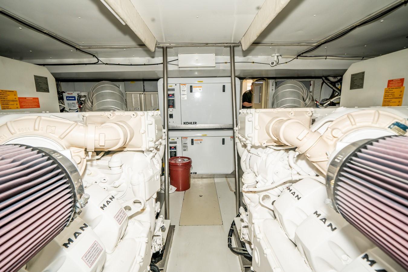2013 AZIMUT  Motor Yacht 2617644