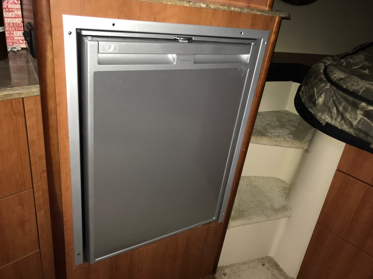Refrigerator 2008 Cruisers Yachts 360 Express Cruiser 2617922