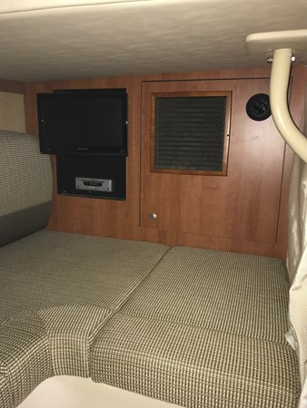 Aft Lounge Room 2008 Cruisers Yachts 360 Express Cruiser 2617945