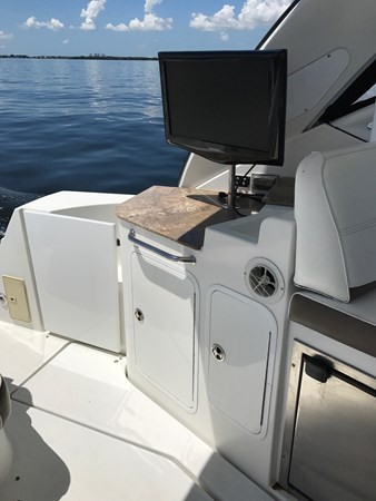 Cockpit TV and Wetbar 2008 Cruisers Yachts 360 Express Cruiser 2617969