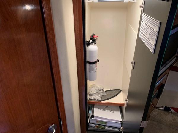 IMG_0911 2006 SEA RAY 380 Sundancer Motor Yacht 2618276