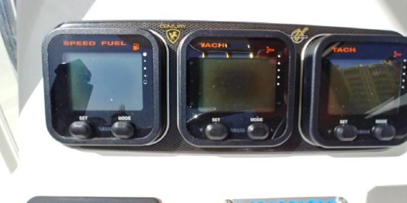 2009 CENTURY 3200 Center Console Center Console 2618963