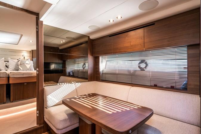 Lower Salon 2016 PRINCESS YACHTS V58 Cruiser 2620580