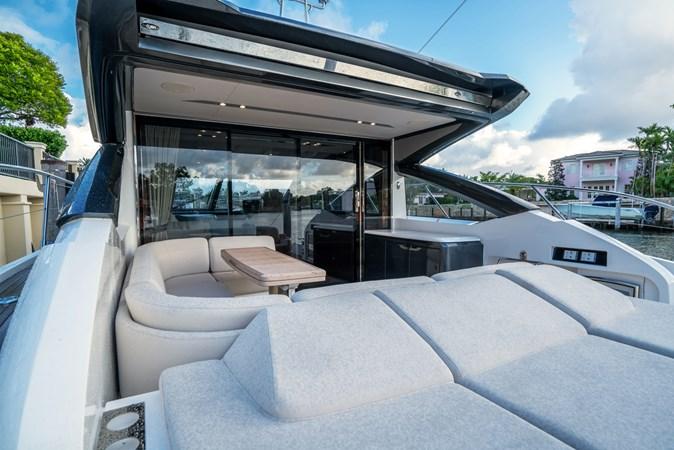Cockpit Sunpad 2016 PRINCESS YACHTS V58 Cruiser 2620607