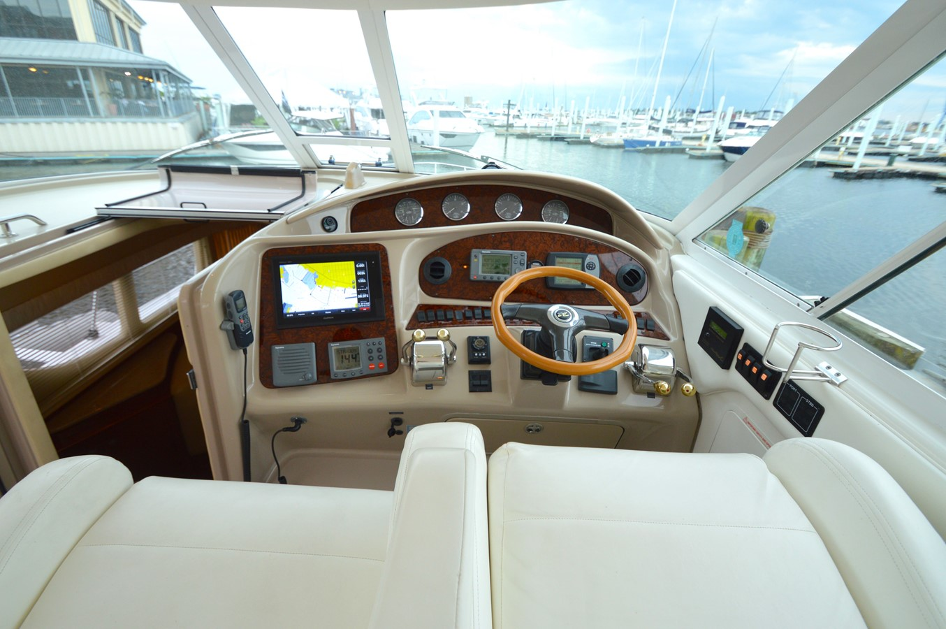 13 - 39 SEA RAY For Sale
