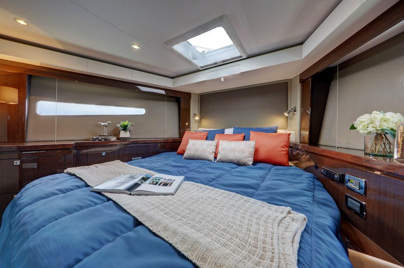 B44A7919_20_21_22_23 - Copy 2020 CARVER  Motor Yacht 2825010