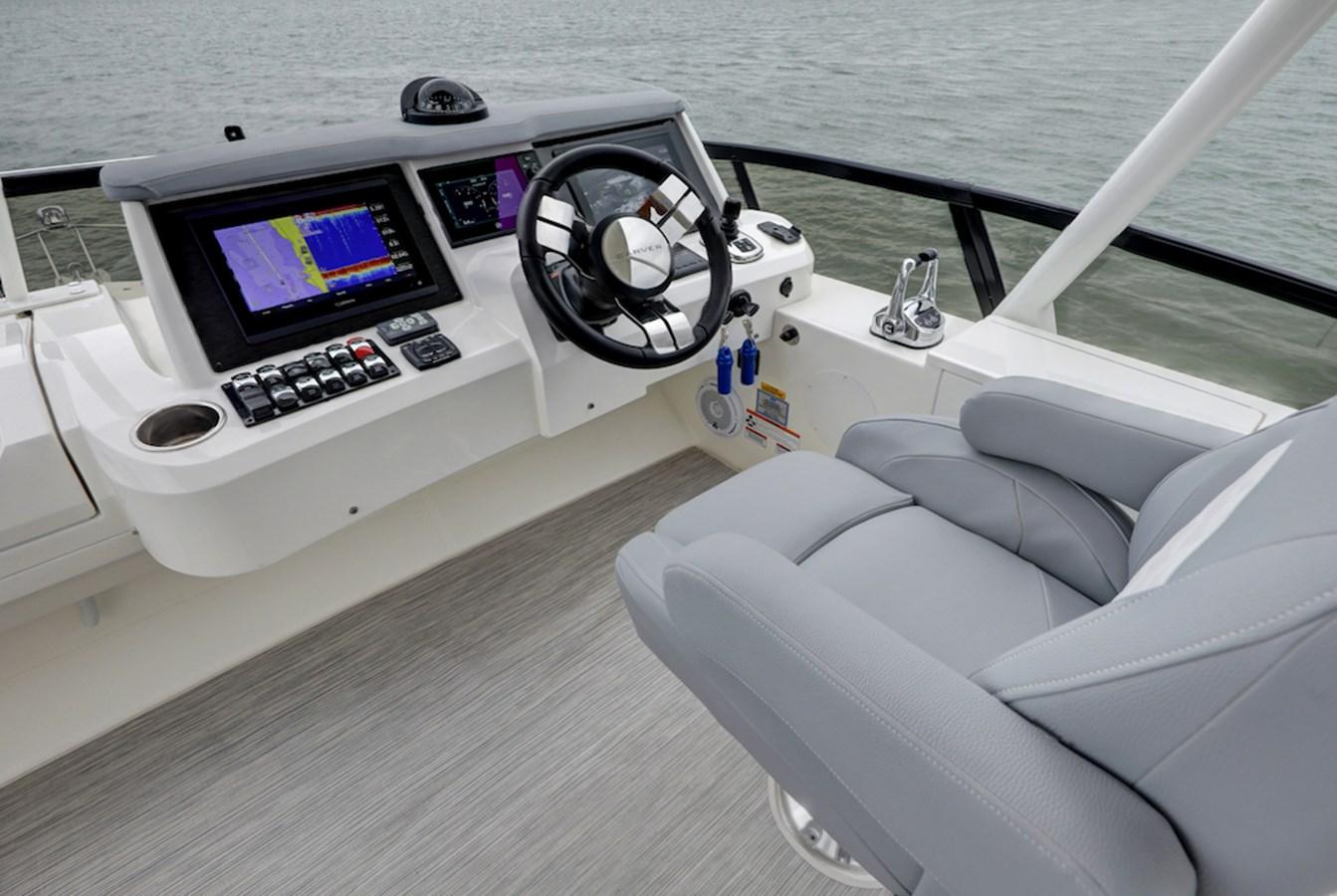 B44A8424_5_6_7_8 2020 CARVER  Motor Yacht 2825039