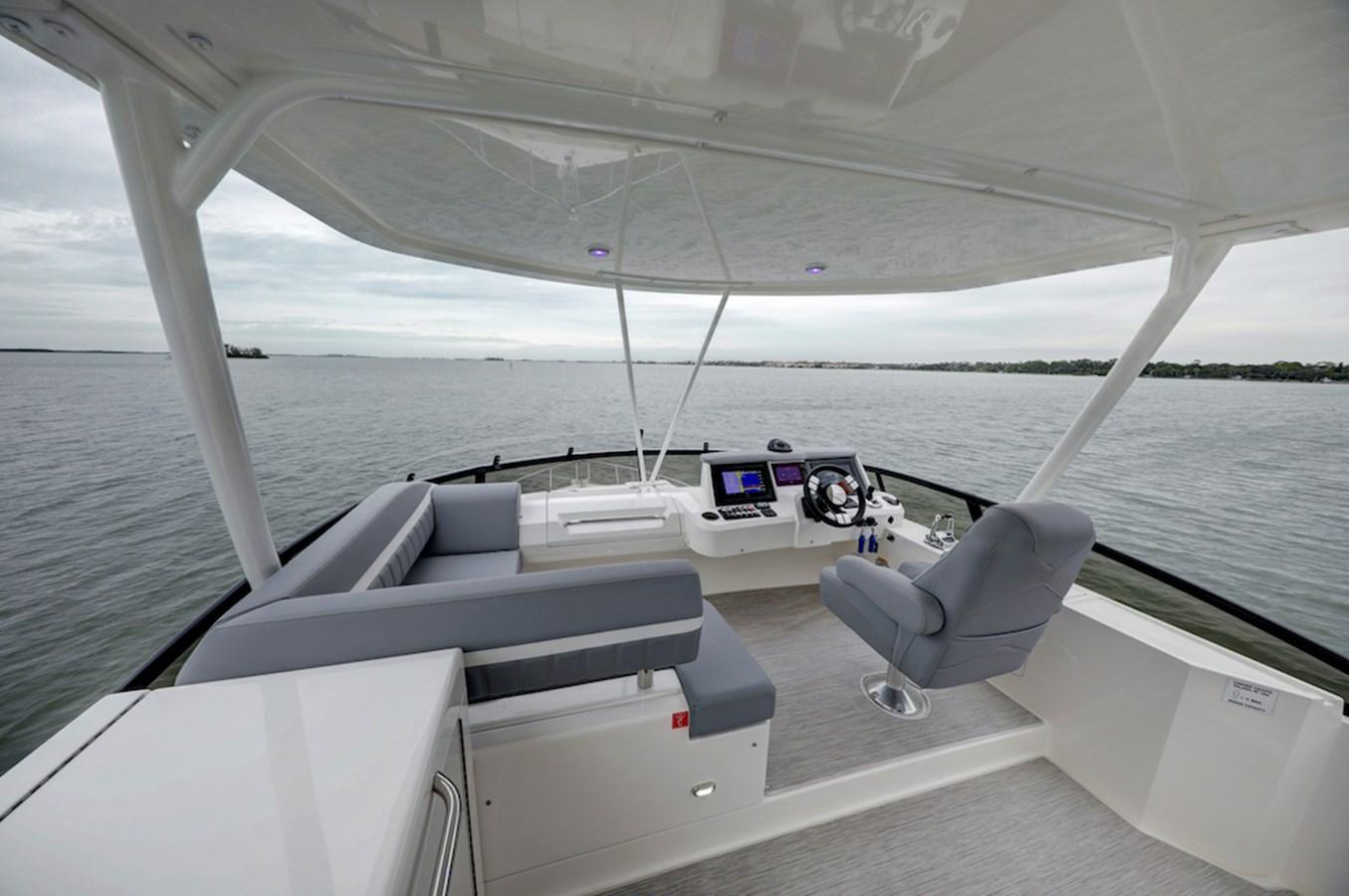 B44A8429_30_31_32_33 2020 CARVER  Motor Yacht 2825040