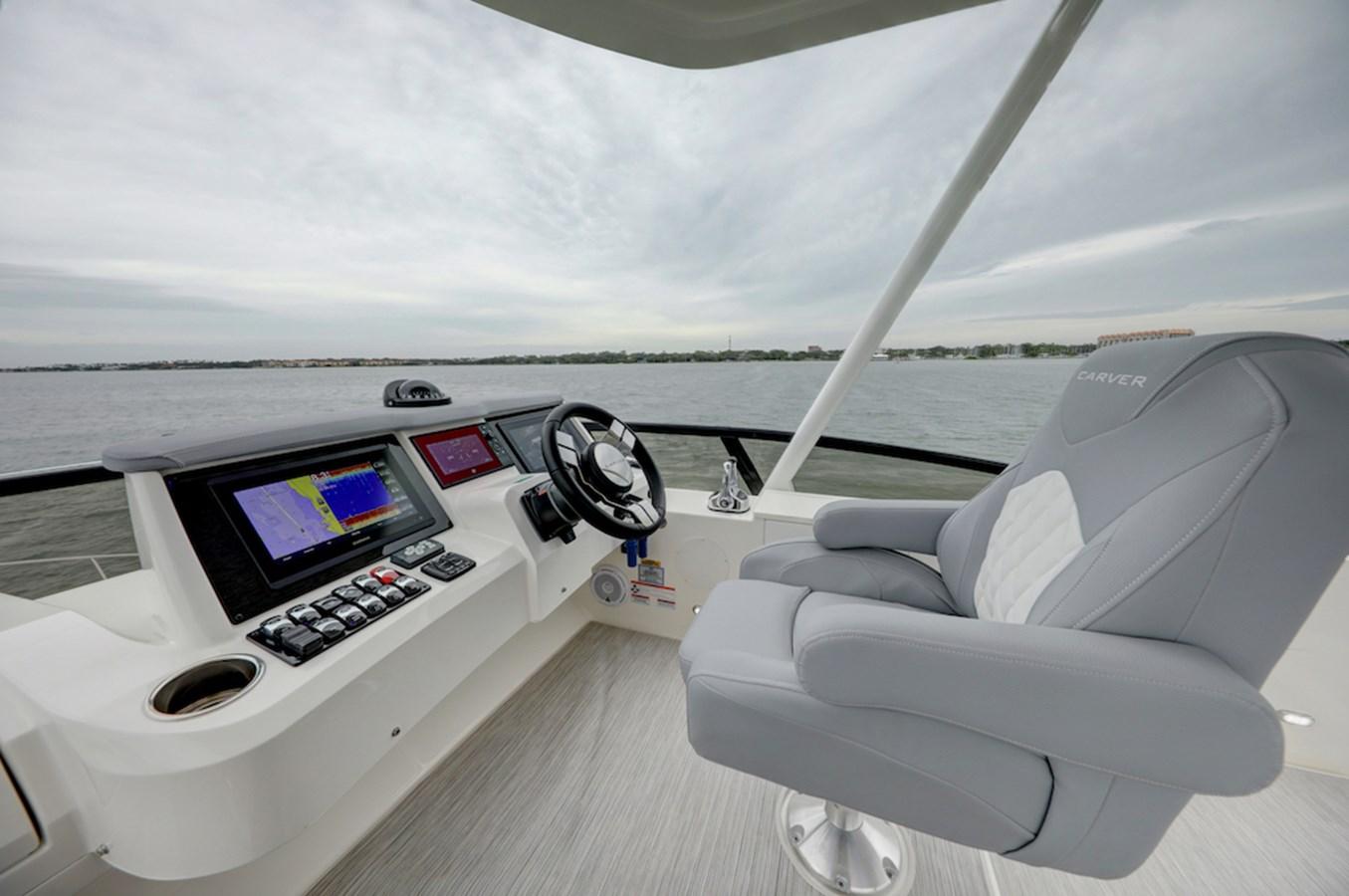 B44A8449_50_51_52_53 2020 CARVER  Motor Yacht 2825042