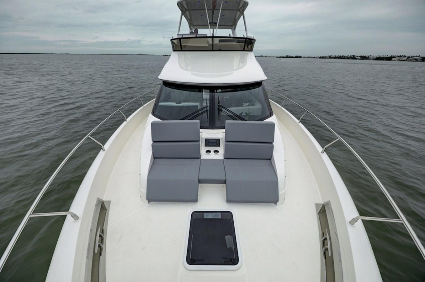 B44A8219_20_21_22_23 2020 CARVER  Motor Yacht 2825056