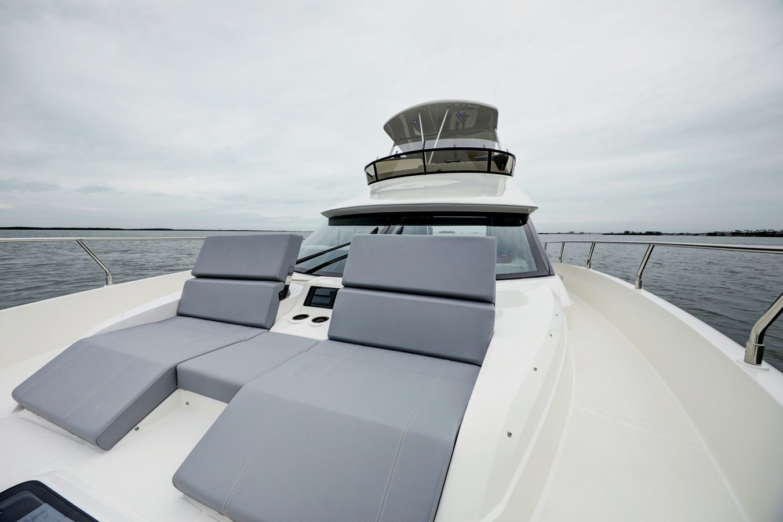 B44A8229_30_31_32_33 2020 CARVER  Motor Yacht 2825057