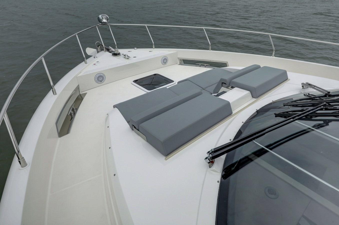 B44A8249_50_51_52_53 2020 CARVER  Motor Yacht 2825059