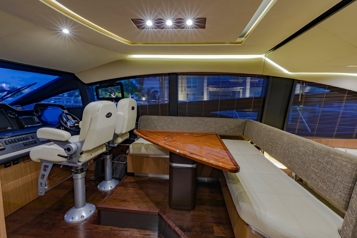 2016 SEA RAY Fly Motor Yacht 2621806