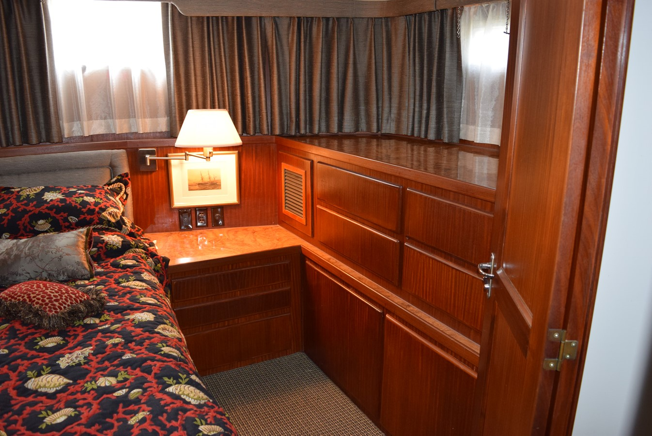 33 - 54 HATTERAS For Sale