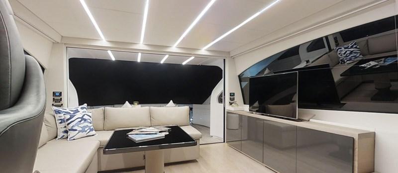 Saloon 2015 PERSHING 70 Motor Yacht 2673773