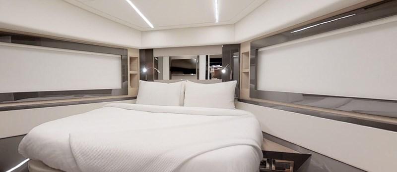 Forward VIP Cabin 2015 PERSHING 70 Motor Yacht 2673775