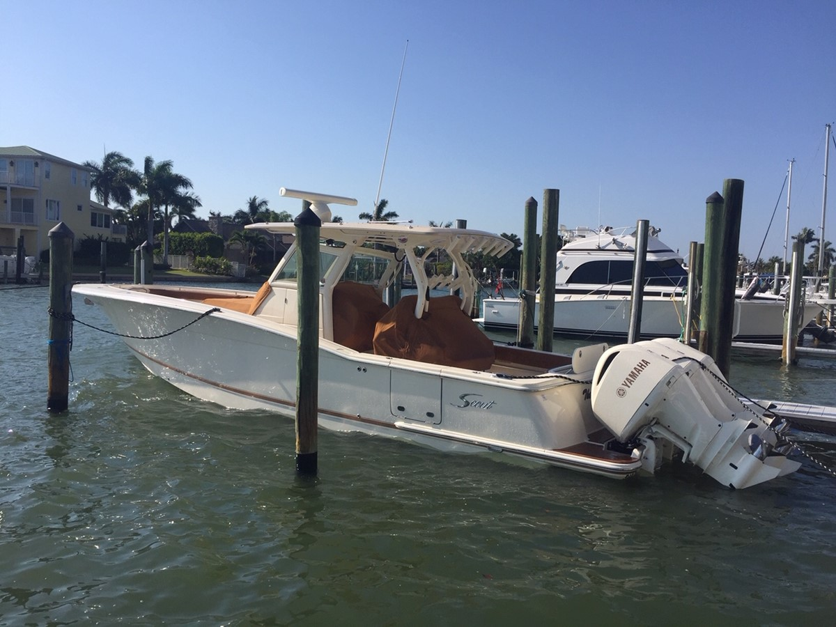 2016 SCOUT BOATS 350 LXF Center Console 2625054