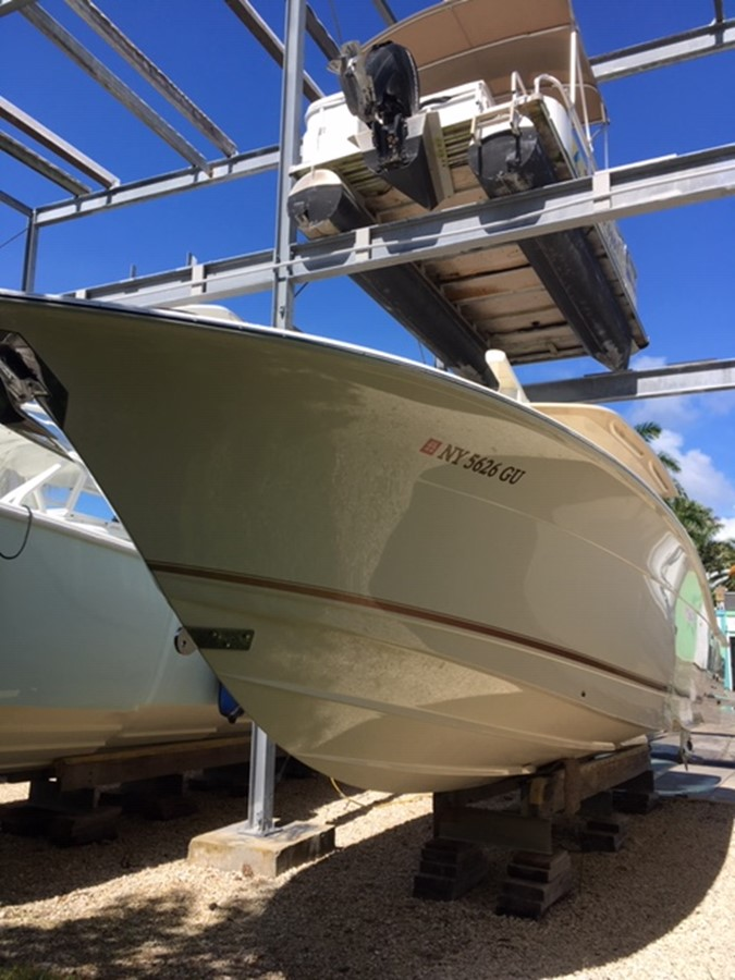 2016 SCOUT BOATS 350 LXF Center Console 2625055
