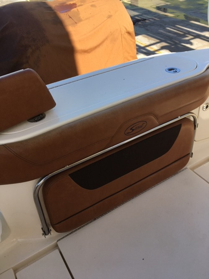 2016 SCOUT BOATS 350 LXF Center Console 2625069
