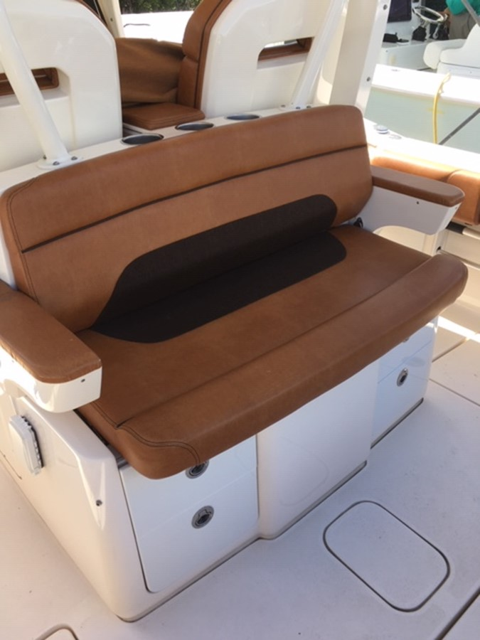 2016 SCOUT BOATS 350 LXF Center Console 2625070