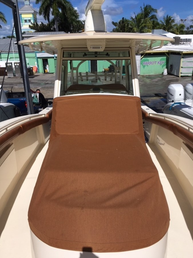 2016 SCOUT BOATS 350 LXF Center Console 2625084