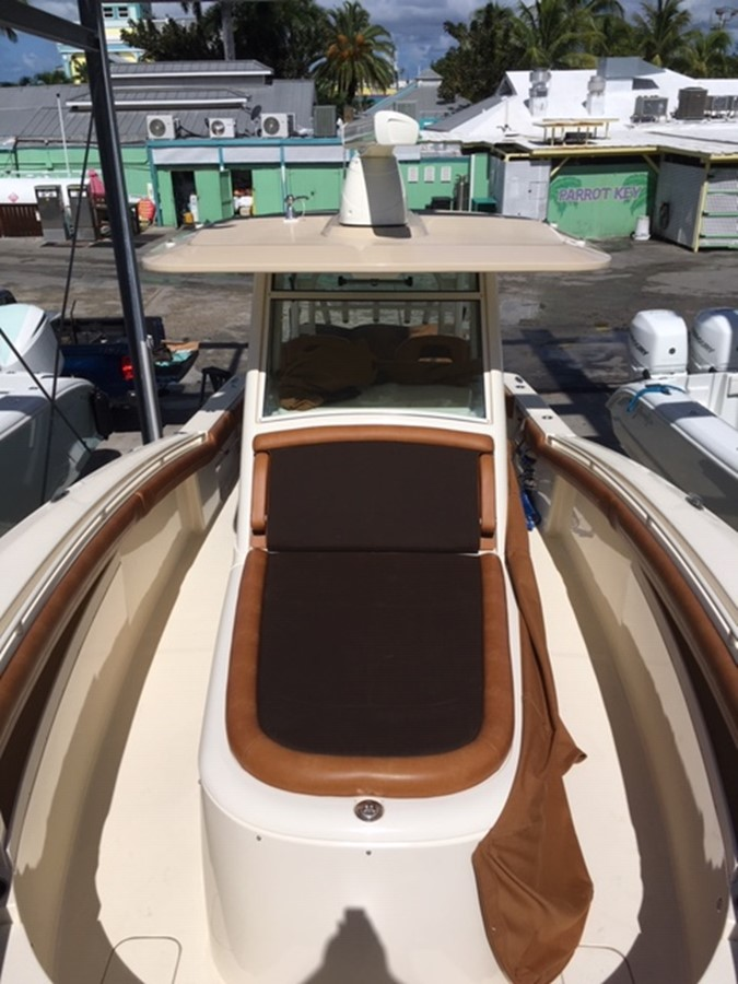 2016 SCOUT BOATS 350 LXF Center Console 2625085