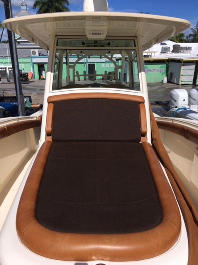 2016 SCOUT BOATS 350 LXF Center Console 2625086