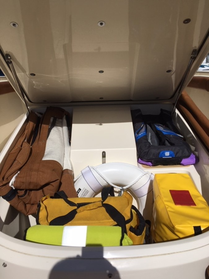 2016 SCOUT BOATS 350 LXF Center Console 2625087