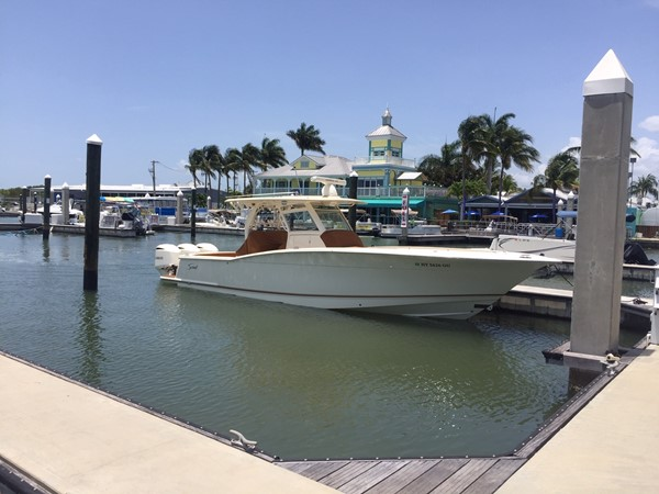 2016 SCOUT BOATS 350 LXF Center Console 2625053