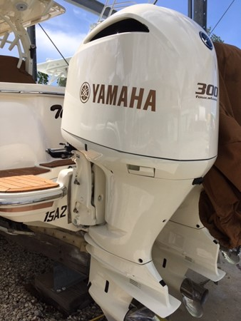 2016 SCOUT BOATS 350 LXF Center Console 2625059