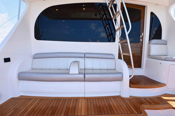 Cockpit Seating (2) 2019 VIKING 68 Convertible Sport Fisherman 2625252