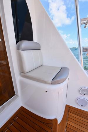 Cockpit Seating (4) 2019 VIKING 68 Convertible Sport Fisherman 2625254