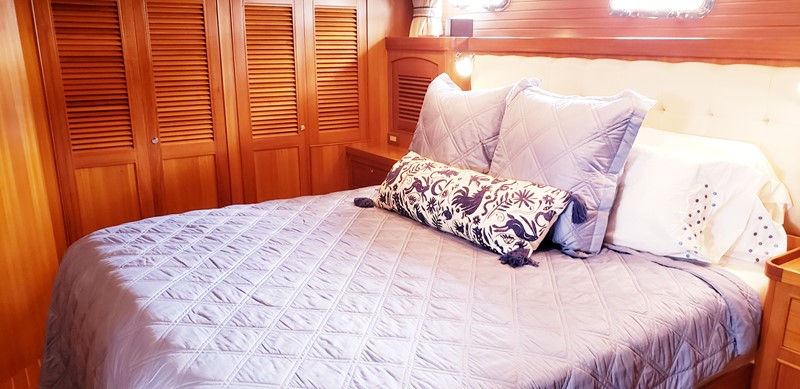 Walk Around King Berth in Master Stateroom 2003 MARLOW  Motor Yacht 2625865