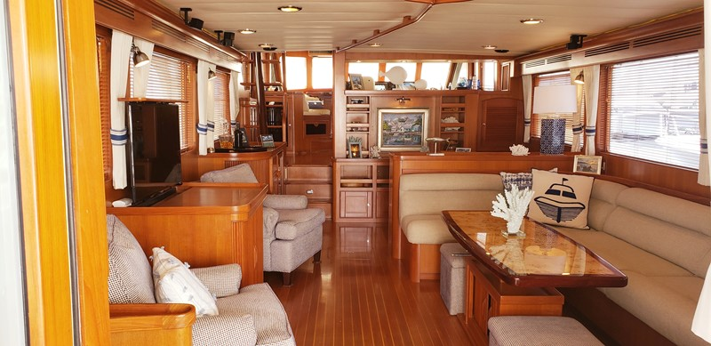 Salon Looking Forward 2003 MARLOW  Motor Yacht 2625871