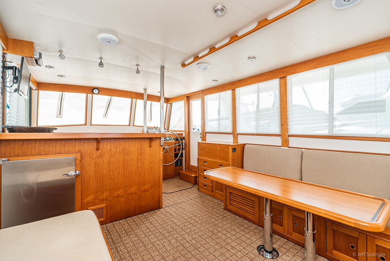 Salon Forward 1973 GRAND BANKS Grand Banks Europa Trawler 2625956